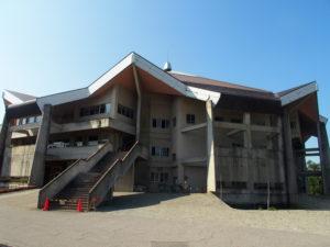 鶴ヶ城体育館